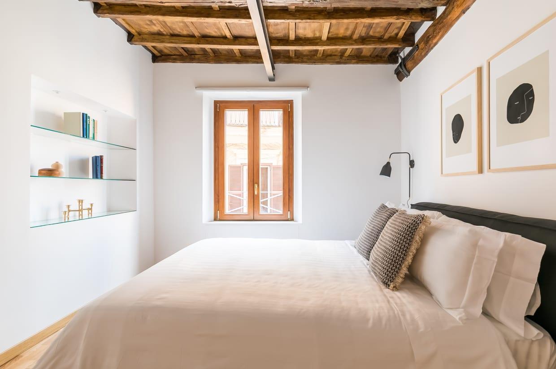 Three Bedroom Apartment in Rome